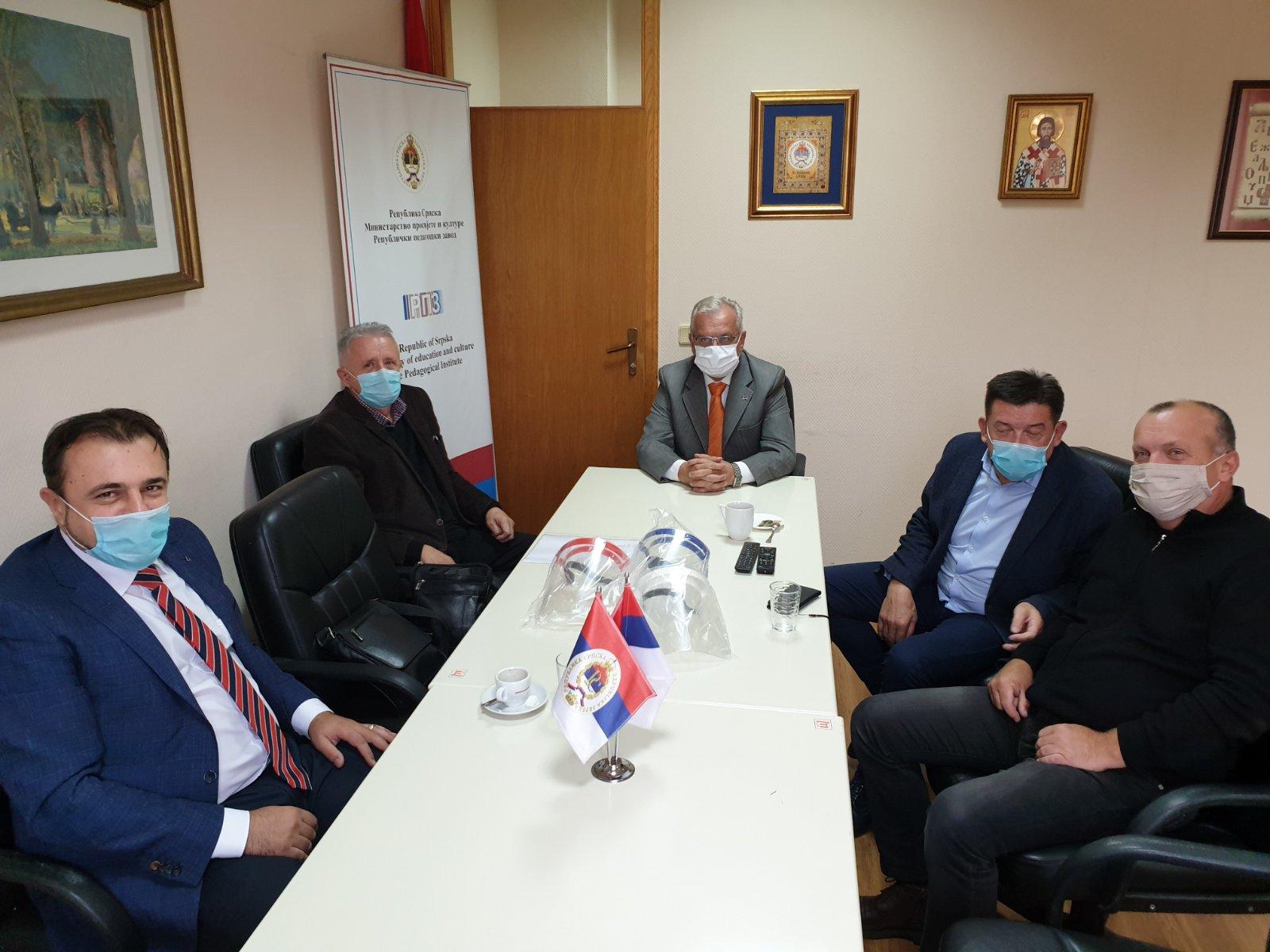 Unija donirala zaštitne vizire školama u Republici Srpskoj