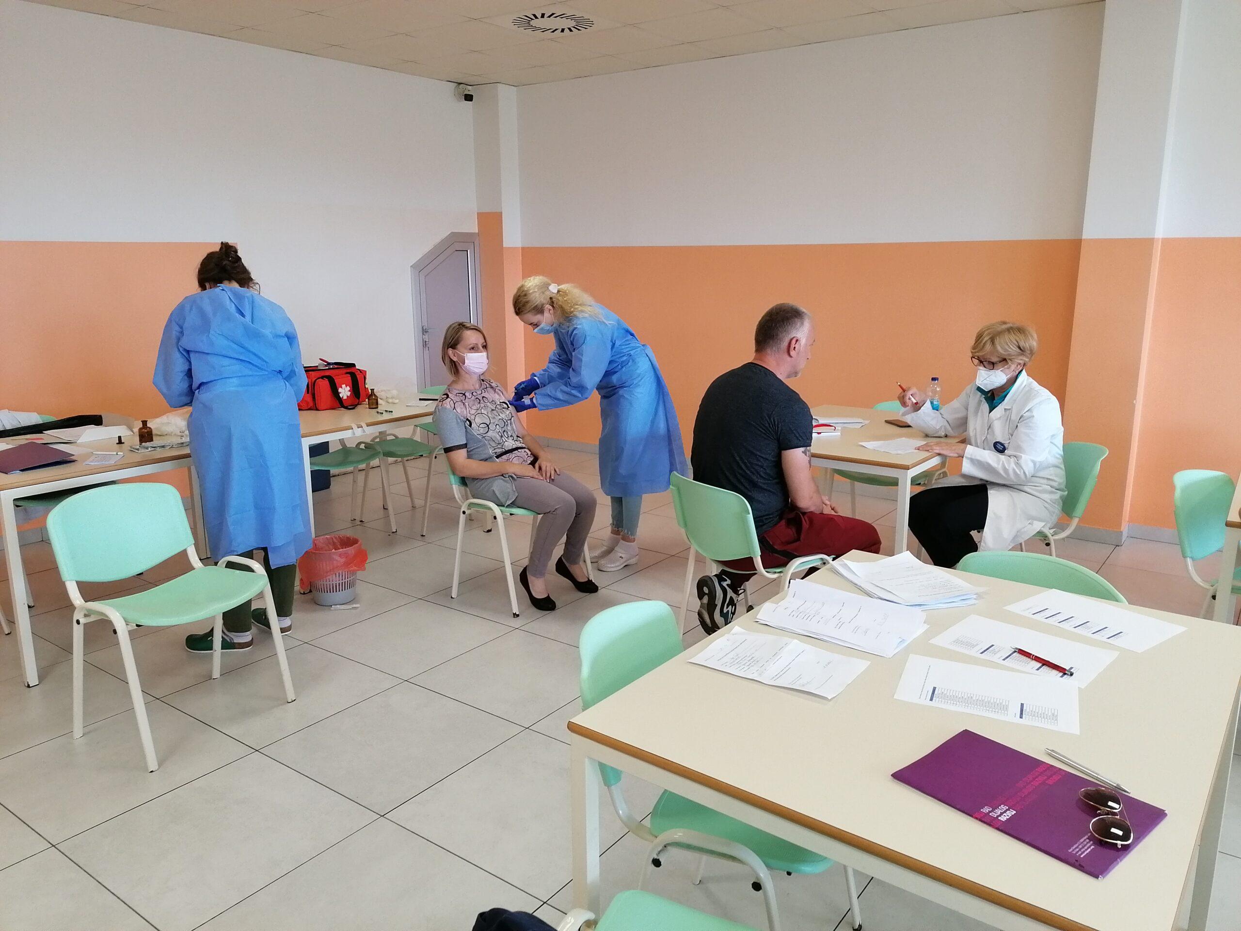 Vakcinisano 65 radnika u Laktašima